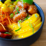 Poke bowl orange au saumon