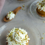 Tarte aux pommes caramel et pistaches